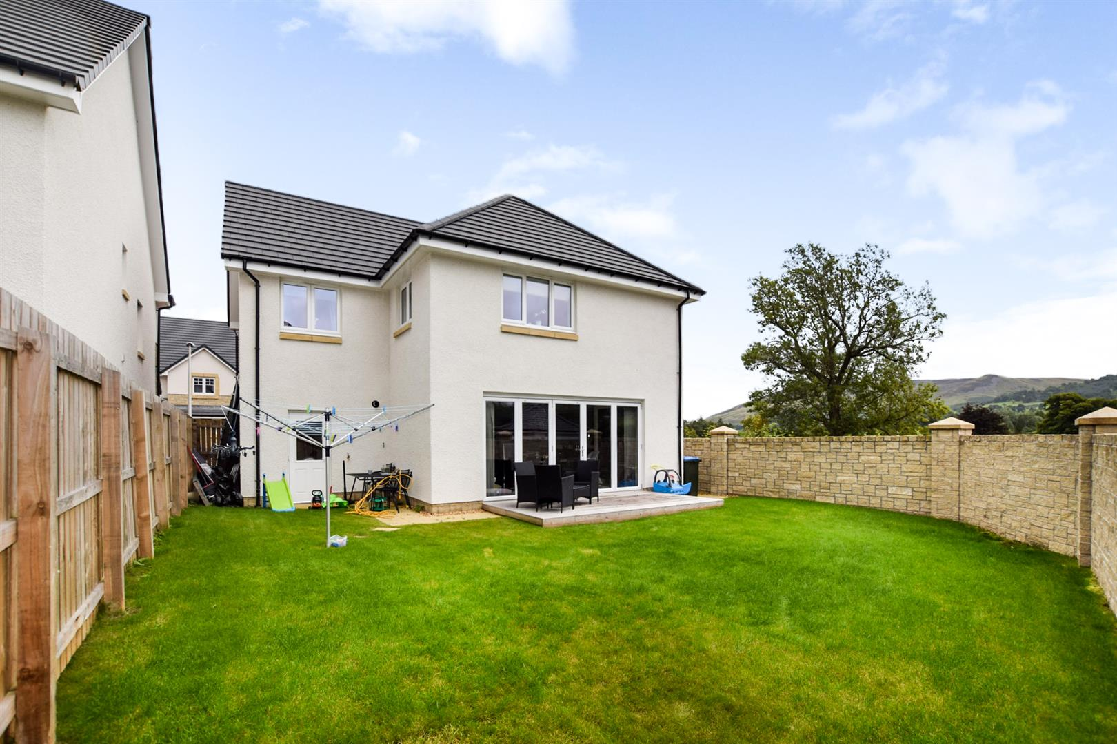 8, Millview Close, Auchterarder, Perthshire, PH3 1FR, UK